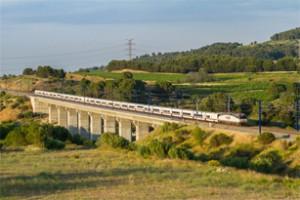 Il Trenhotel Joan Miró Barcellona-Parigi (1991-2013). Meno caro e più veloce di un treno ad alta velocità. Fotografia di Sergio Evangelio