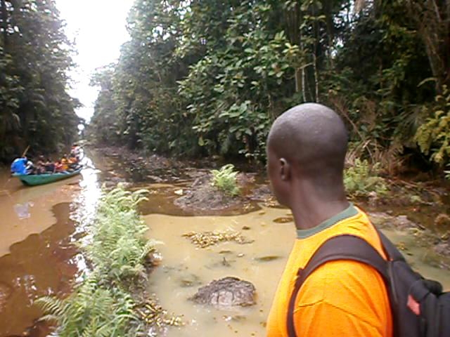 2013-Sept-Spill-along-Agips-pipeline-at-Ikeinghenbiri1