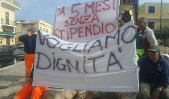Lampedusa sciopero monnezza