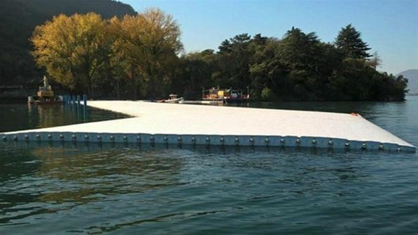 floating piers delirio galleggiante contropiano