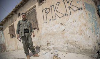 curdi pkk scritta su muro