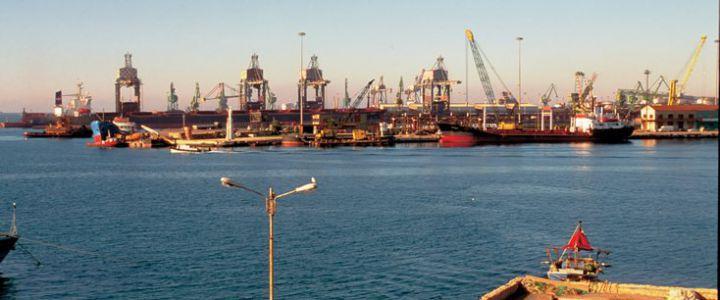 Il-porto-di-Taranto