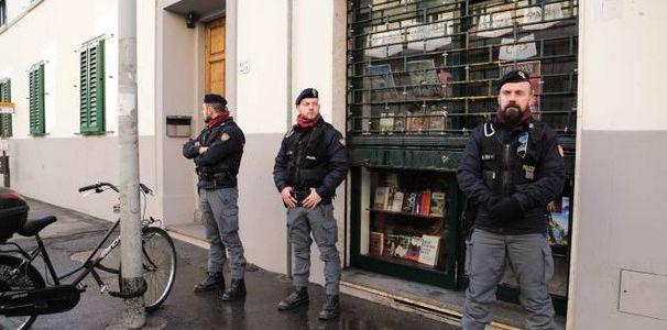 Firenze libreria attentato