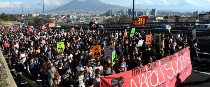 Napoli, sciopero sociale tangenziale