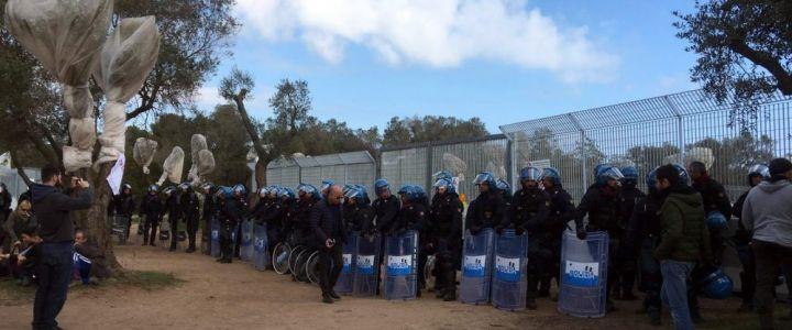 Gasdotto-Tap-polizia-forza-il-sit-in-davanti-cantiere-a-Melendugno-2-1000x600