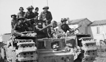 The_British_Army_in_Italy_1945_NA23041