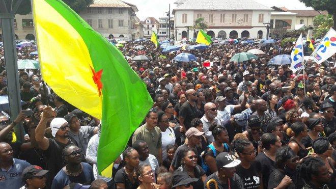 Bagno Penale Francese : Crisi sociale e proteste nella guyana francese contropiano